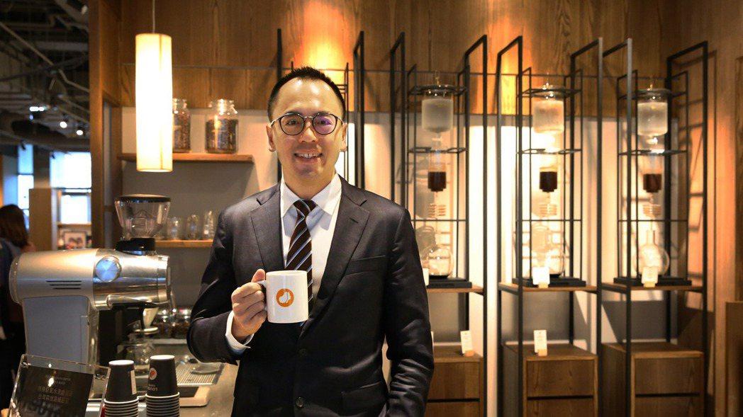 路易莎咖啡董事長黃銘賢強調,「平價精品咖啡」是他全力守護的品牌價值。 圖/路易...