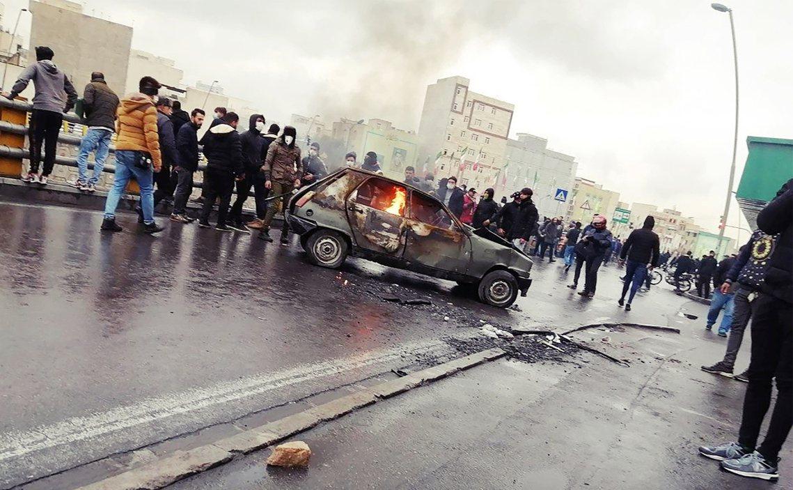 據伊朗內政部多名官員私下透露給《路透社》的死傷數據,伊朗全境已知「至少1,500...