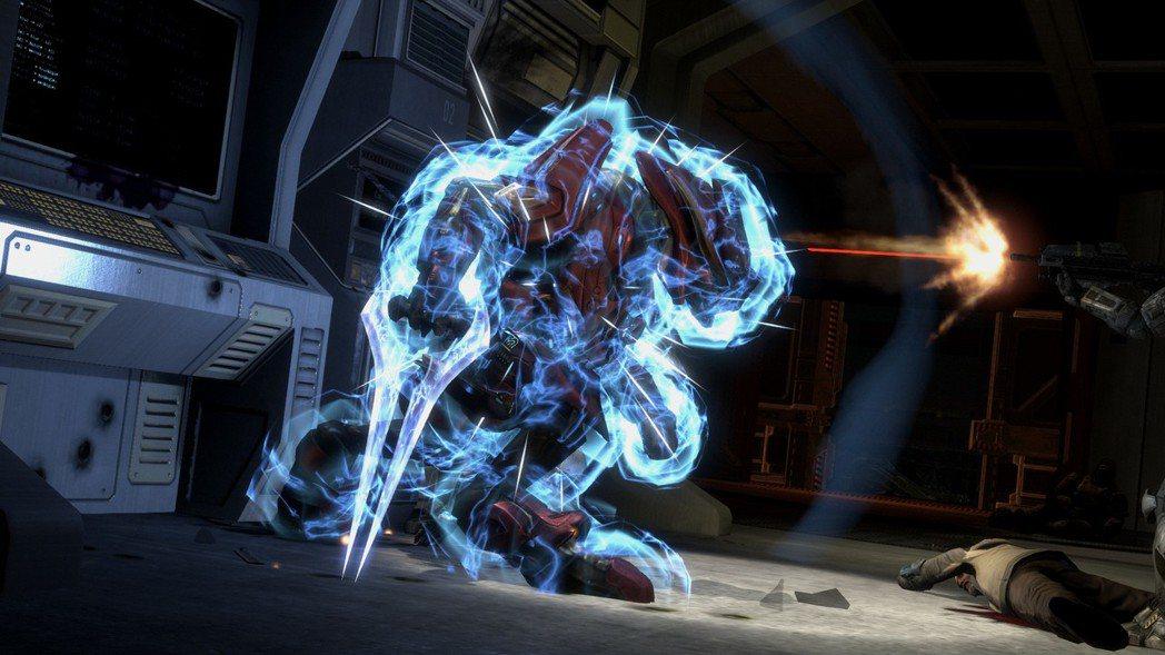 精英與超級戰士一樣擁有能量護盾(如果沒有一直持續對他造成傷害,會自動恢復護盾)。