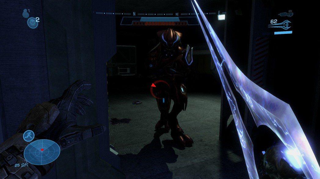 在戰場中偶爾會遇到拿能量劍的精英,擊殺後就可以把武器借來用用,不僅帥氣度滿分,也...