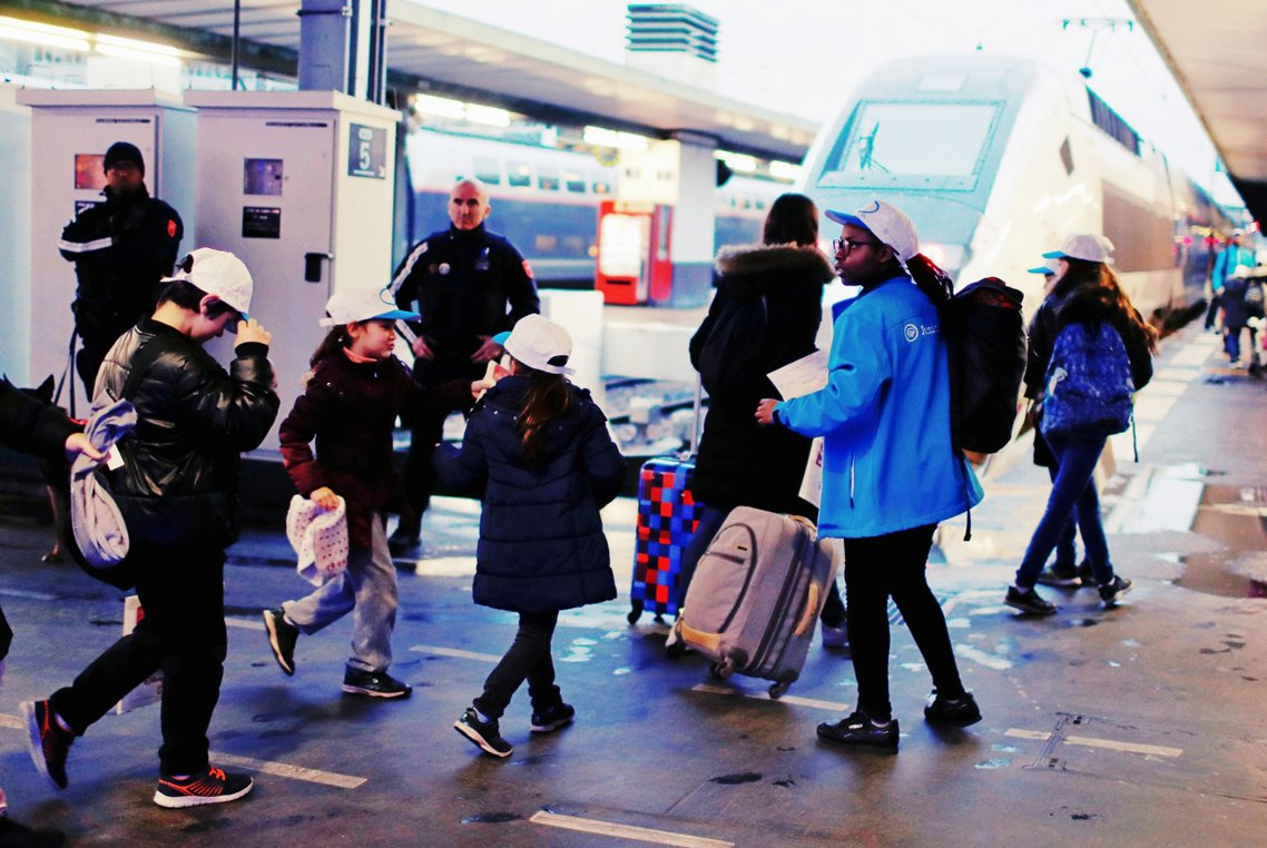 法國國鐵的「耶誕火車」陪乘服務,正式名稱為「SNCF Junior & Cie」...