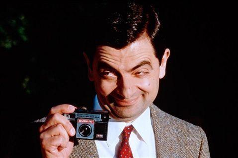 英國電視喜劇「豆豆先生」(Mr. Bean)曾紅遍全球,陪伴許多影迷長大,日前他26歲的大兒子班傑明艾金森(Benjamin Atkinson)因從軍表現優異,長相曝光後引來眾多網友熱議!日前班傑明...