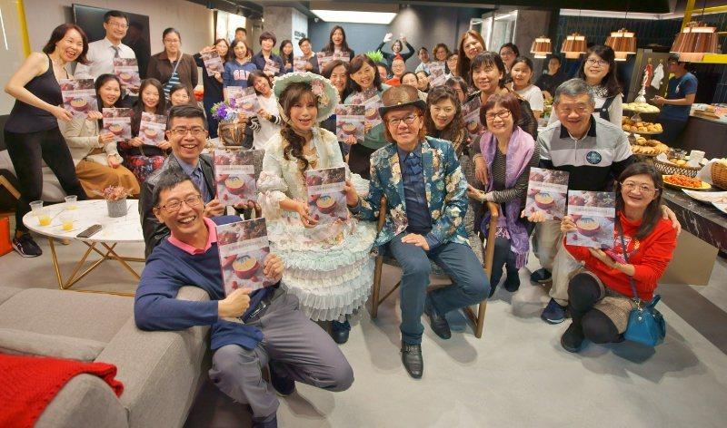 《大熊家餐桌的暖心食刻》第4場簽書會在台北,湧入七、八十人,比預期多一倍。
