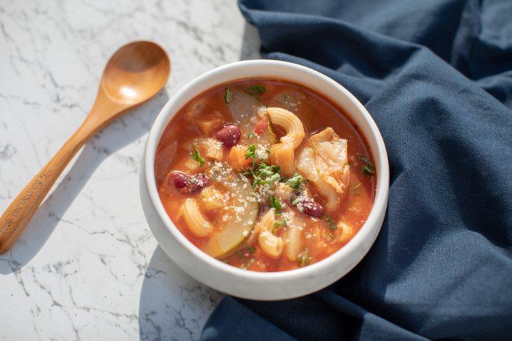 無肉且開胃的義大利蔬菜通心粉湯。圖/中保無限家提供
