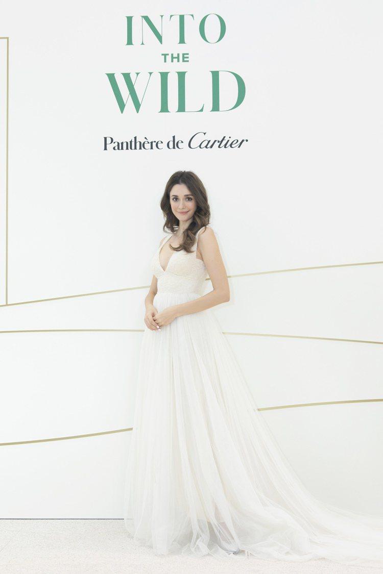 對現場展品大為驚豔的瑞莎,更驚呼想跟老公再要一款結婚禮物。圖 / Cartier...