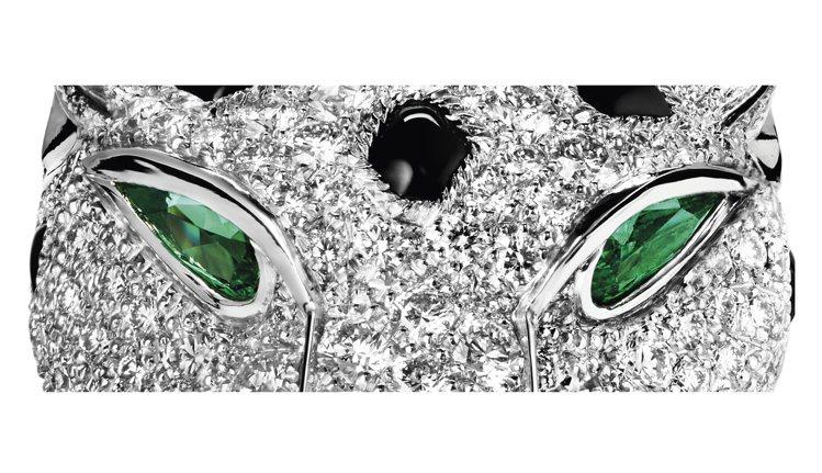 美洲豹翠綠的眼神、黑色的皮毛,具現成卡地亞最魅惑靈動的繆思。圖 / Cartie...