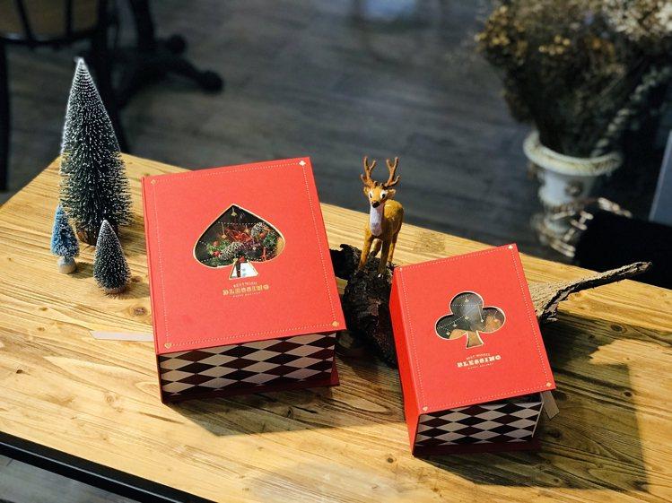 耶誕花禮盒「夢與撲克」售價1,280元至1,880元。圖/居樂堂甜舖提供
