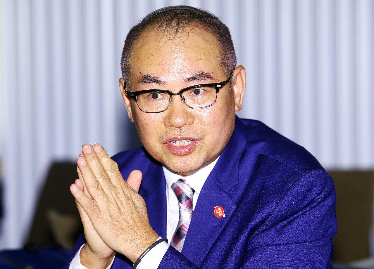 台灣彩券公司總經理蔡國基24日分享中獎人故事。記者杜建重/攝影