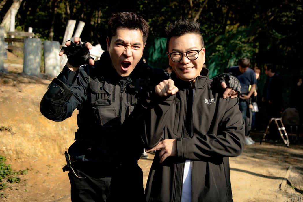 沈玉琳(右)探班採訪王傳一,現場笑料不斷。圖/東森提供