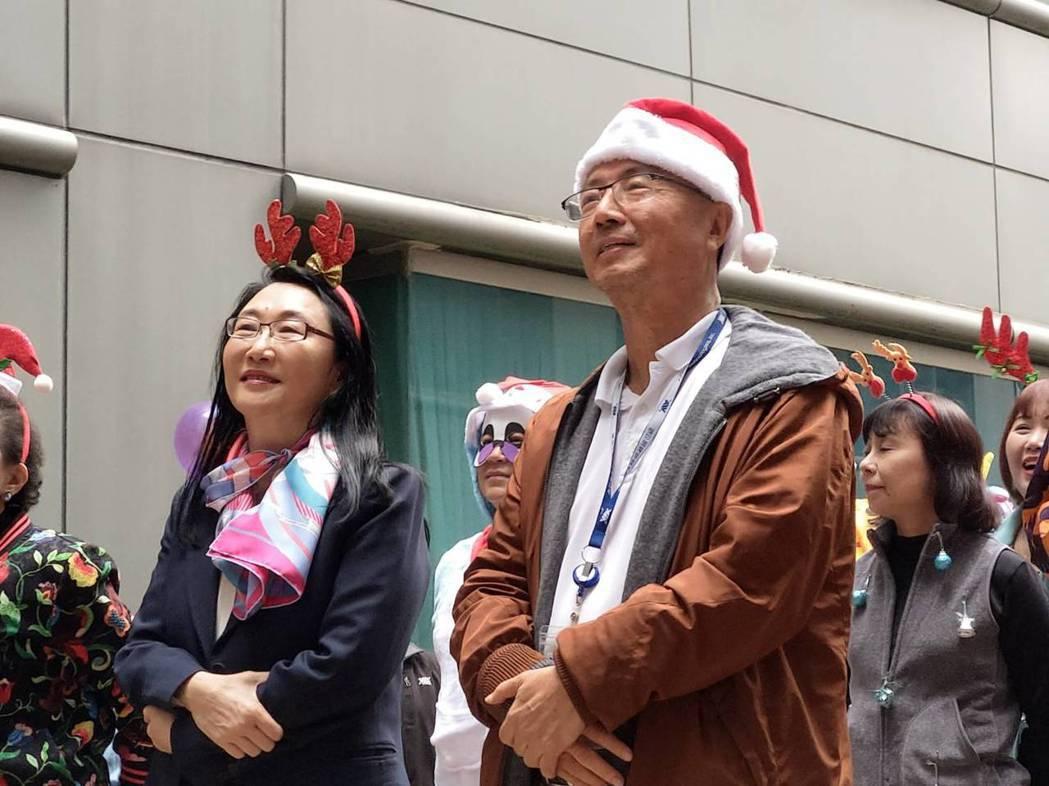 宏達電董事長王雪紅(左)與威盛董事長陳文琦。本報系資料庫