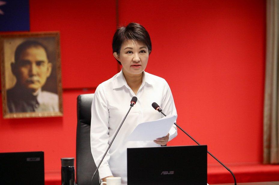 台中市長盧秀燕今天宣布,中火經過兩度開罰並限期改善,仍繼續使用生煤,將廢止中火兩部機組的操作許可證。記者余采瀅/攝影