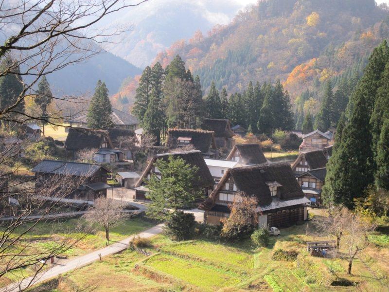 五箇山相倉合掌村,彷彿是童話般的夢幻小王國 。 圖/章淑曼攝影