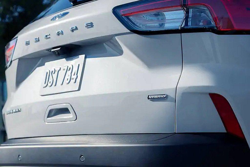 新世代Ford Escape Hybrid前輪驅動車型可跑出市區18.6km/L...