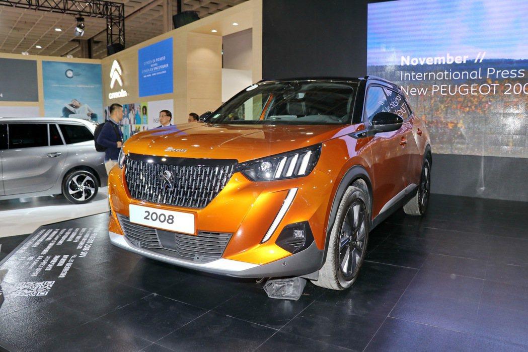Peugeot 2008搶先在2020台北車展首演。 記者陳威任/攝影