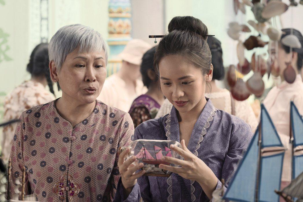 黃姵嘉在「彼岸之嫁」中飾演19世紀麻六甲美少女。圖/Netflix提供
