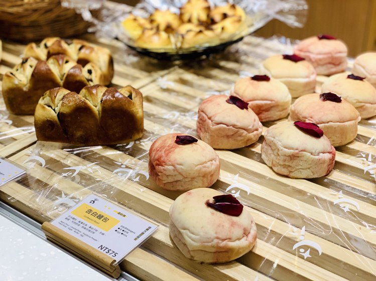 吳寶春麥方店「告白麵包」。記者張芳瑜/攝影