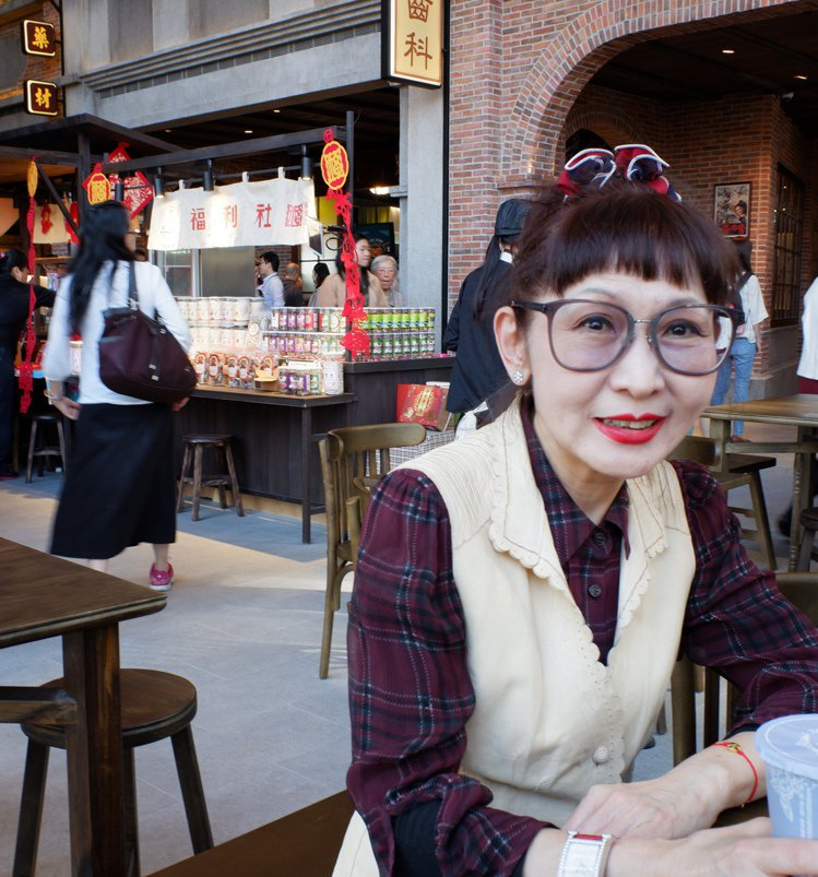 遠百總經理徐雪芳形容信義A13落成,有如遠百進京城,她的心情特別緊張。記者江佩君...