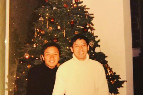 充滿「團圓」氣氛的耶誕節,更容易想念起曾經最深愛的人。唐鶴德在摯愛張國榮去世後,這兩年耶誕都會發布以往彼此在耶誕樹下的合照,讓廣大張國榮粉絲看了亦無限感傷。在平安夜,唐鶴德於社群網站上發了一張與張國...