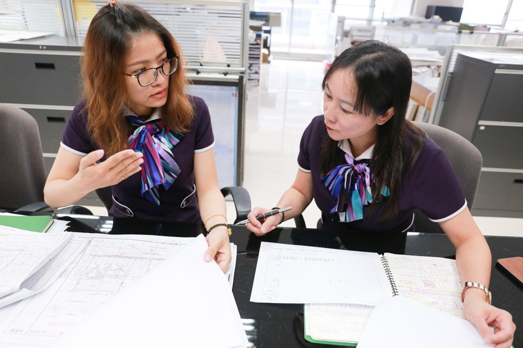 溝通、溝通、再溝通,是設計課非常重要的工作。 攝影/張世雅