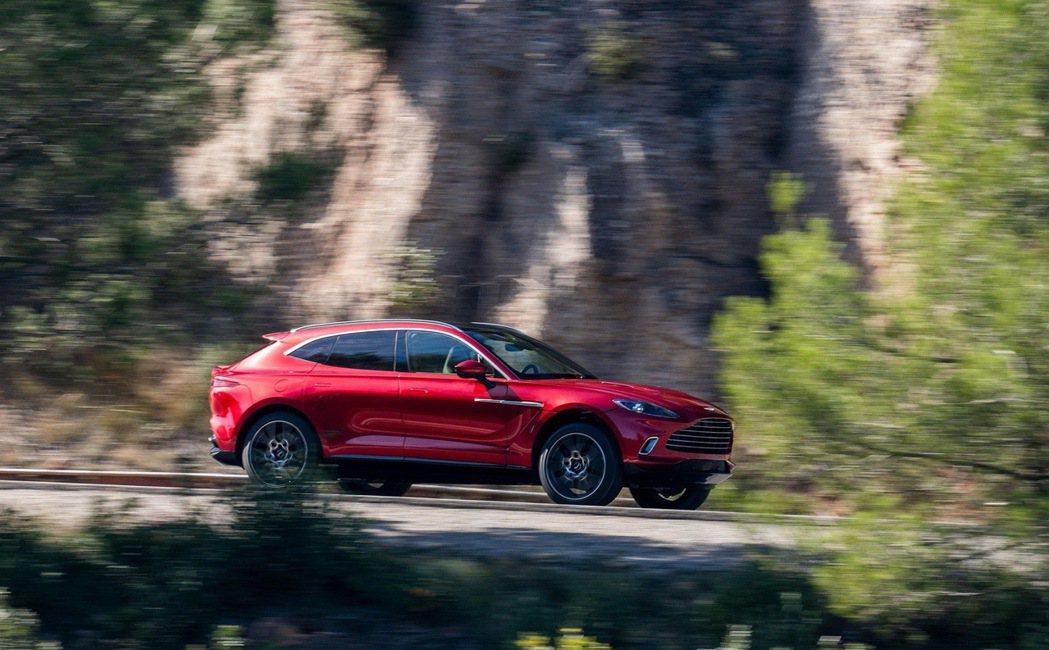 DBX年銷量估計將達4000輛,最高將可以到5000輛。 圖/Aston Mar...