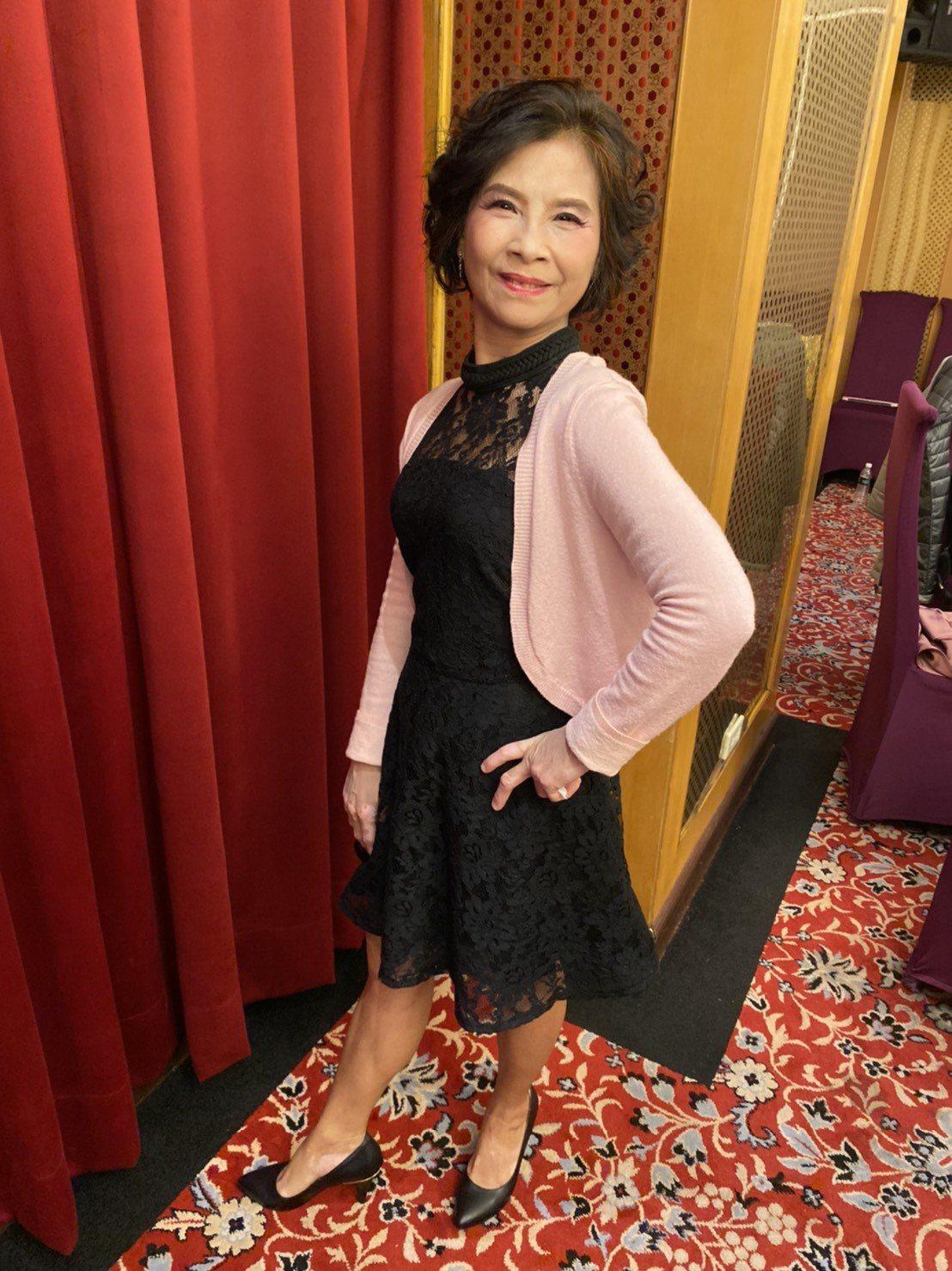62歲的劉玉雯,參與「玩美樂齡模特兒」活動,小個子的她充滿自信,舉手投足間不見羞...