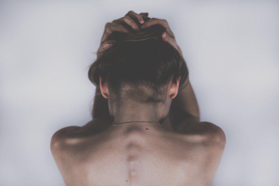 厭女力量是否會嚴重扭曲我們的思考,並使我們的推論帶有偏見? 圖/Pixabay