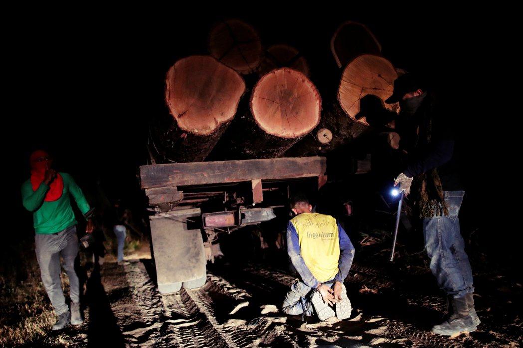 巴西當地大部分環境組織強調以「零非法毀林」為出發點,之後再慢慢漸進到有補償的「零...