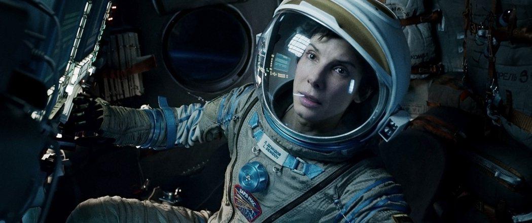 珊卓布拉克並非「地心引力」首選,卻因此片賺進7000萬美元。圖/摘自imdb