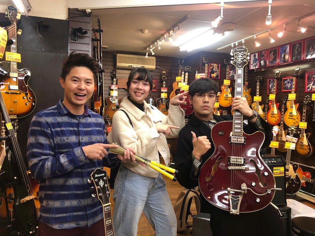 樂團「告五人」成員雲安(右起)、犬青、謙哥。圖/相信提供