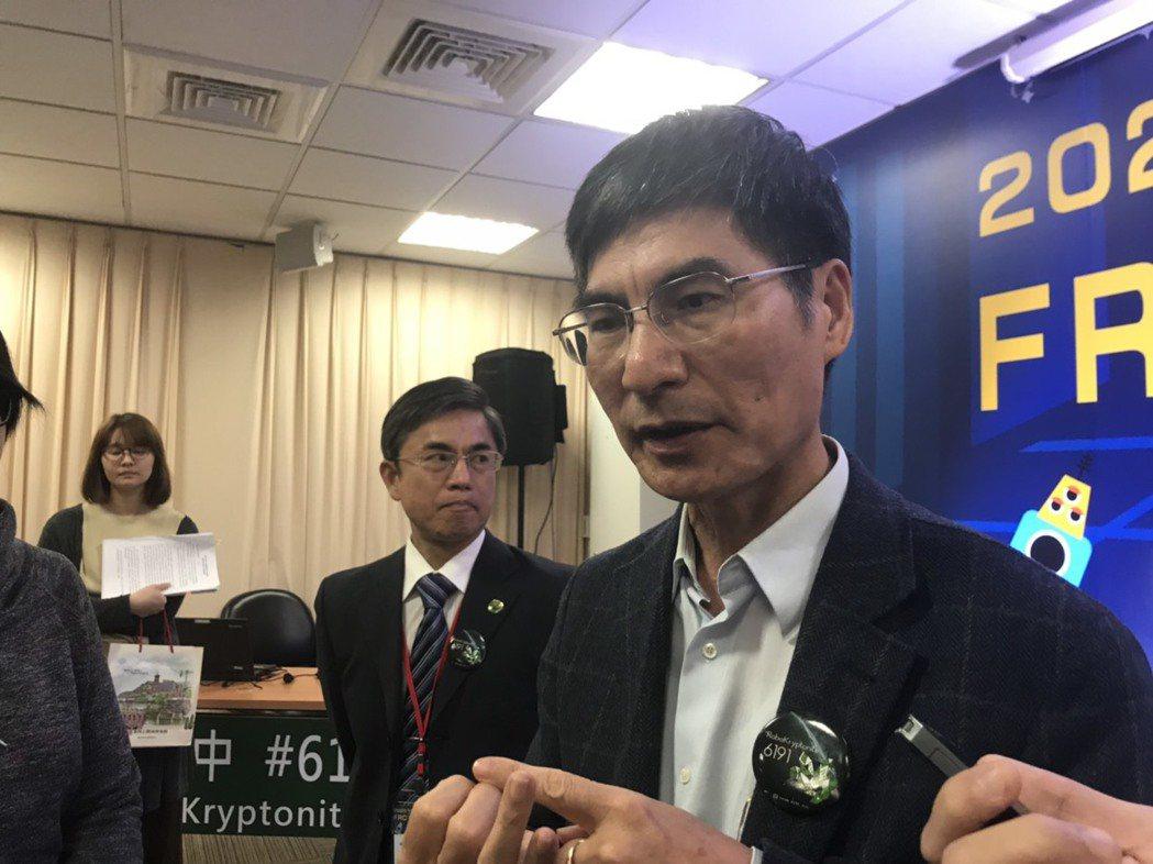 科技部長陳良基今天出席FRC2020科學園區台中區域賽記者會,會後接受媒體聯訪。...