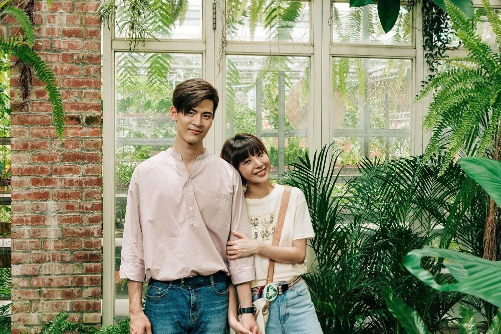 吳承洋(左)高大身材,讓特蕾沙大讚「理想型」。圖/客台提供