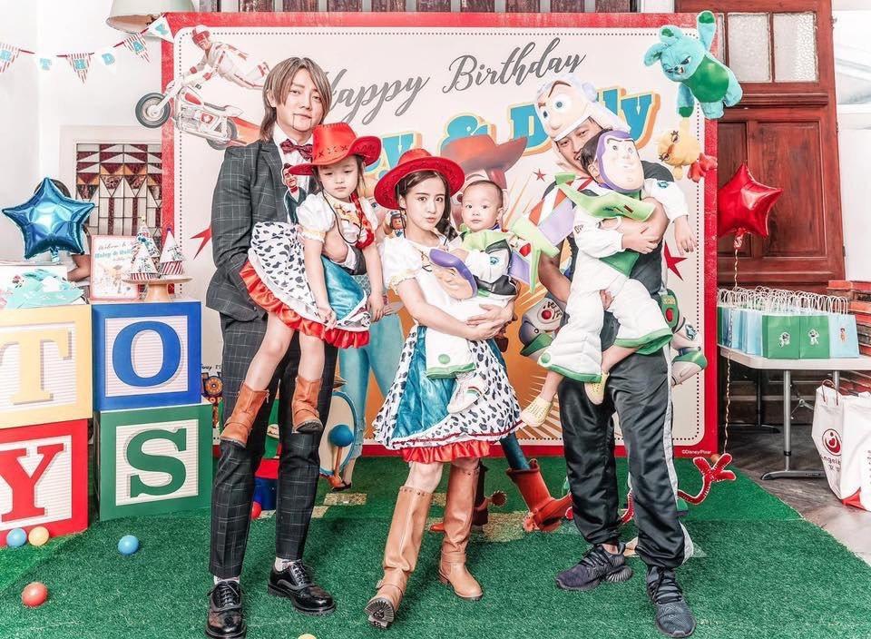 阿沁(左起)抱花苞、花花抱朵朵和錢人豪抱兒子。圖/UTS KID MUSIC提供