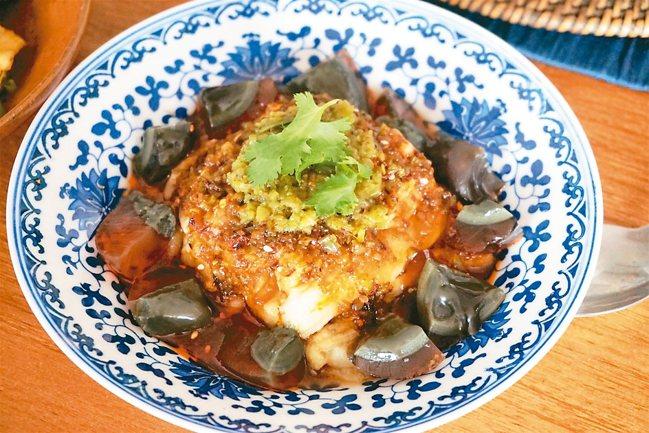 燒椒茄子皮蛋 圖/謝忠道