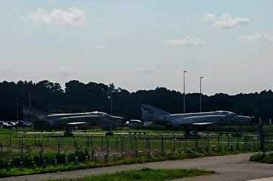 日本/茨城百里空港,遠處瞄見戰機