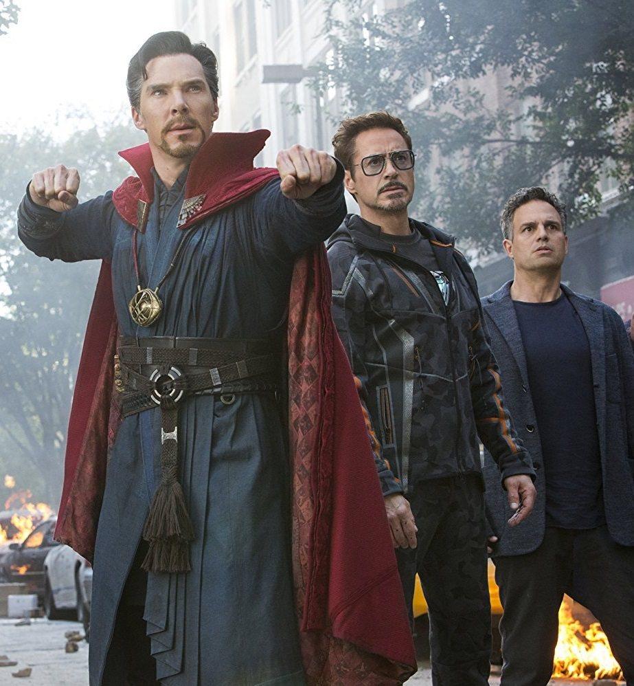 奇異博士在「復仇者聯盟:無限之戰」中與鋼鐵人、未變身浩克的布魯斯班納都有互動。圖