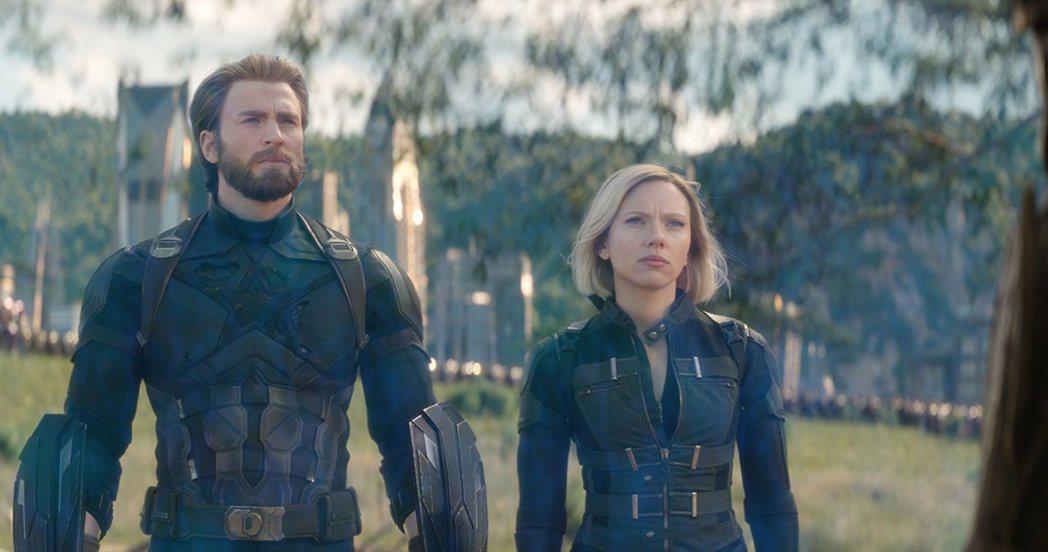 美國隊長史蒂夫在「復仇者聯盟:無限之戰」中還是與黑寡婦娜塔莎比較多交流。圖/摘自...