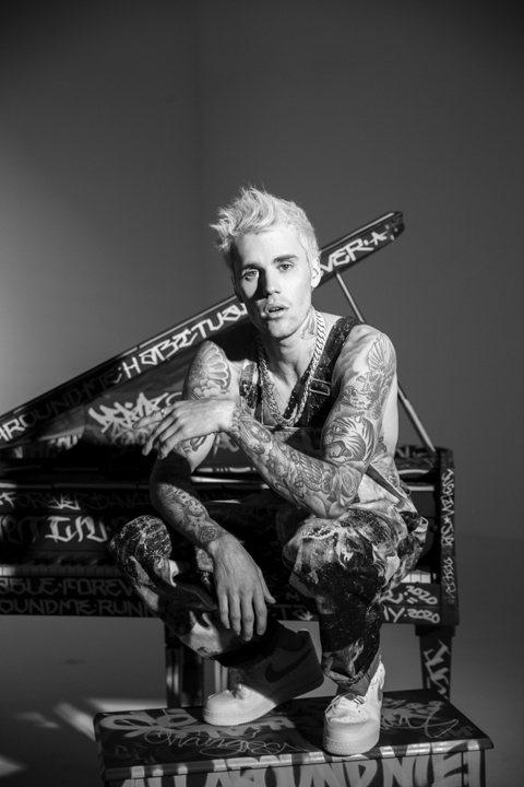 流行天王小賈斯汀(Justin Bieber)15年推出的專輯「我的決心」橫掃全球樂壇之後,苦等4年的全球樂迷現在終於盼到了他全新專輯的消息!在與 23 歲名模海莉鮑德溫(Hailey Baldwi...
