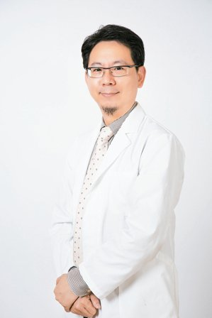 黃文男(台中榮民總醫院過敏免疫風濕科主任)