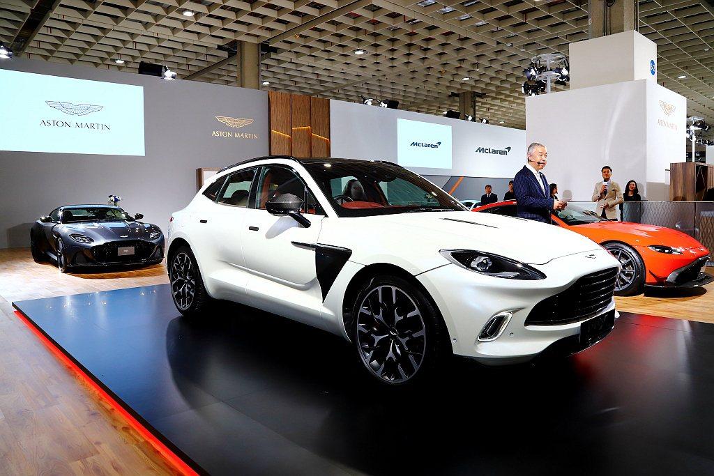 Aston Martin全球首發的品牌首款SUV作品DBX,於2020台北車展正...