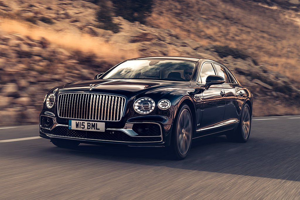 全新第三代Bentley Flying Spur搭載馬力635ps的W12雙渦輪...