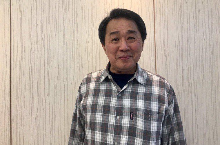 64歲張先生原因應酬養成抽菸喝酒的習慣,20年前被醫師診斷為下咽癌第四期,需全喉...