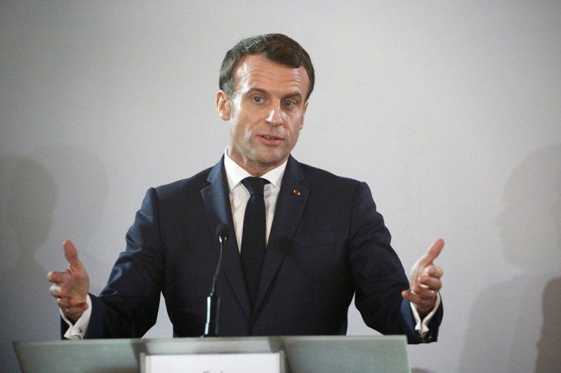 反對法國政府退休金改革計畫的抗議者,今(29日)在巴黎和警方發生衝突,警方發射催淚瓦斯來驅離部分群眾。圖為總統馬克宏(Emmanuel Macron)。 歐新社
