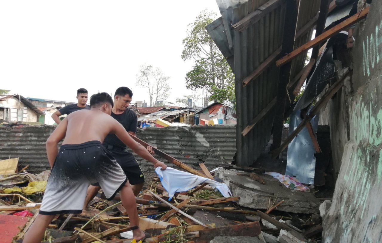 颱風巴逢(Phanfone)耶誕假期重創菲律賓中部,造成41人喪生、28人受傷,...