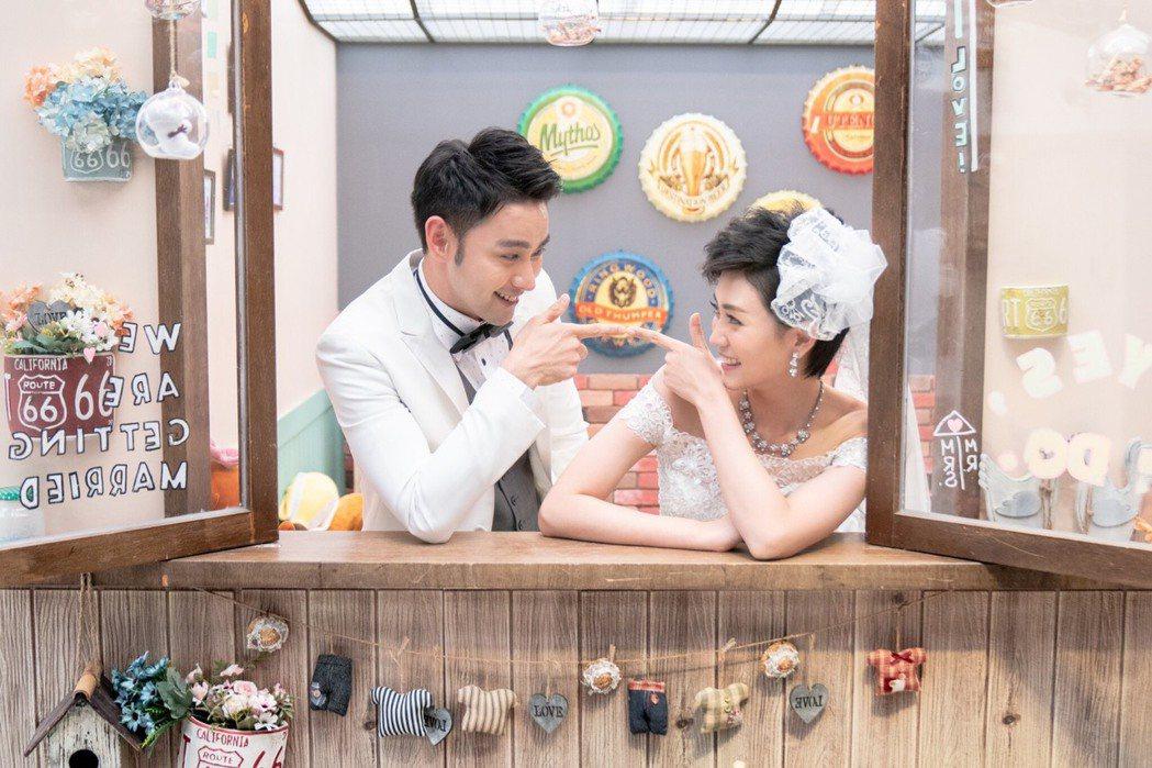 潘柏希(左)、瑭霏為了婚禮戲拍了一系列婚紗美照。圖/民視提供