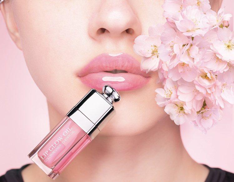迪奧搖滾春妝粉漾潤唇釉全6色/1,200元。圖/迪奧提供