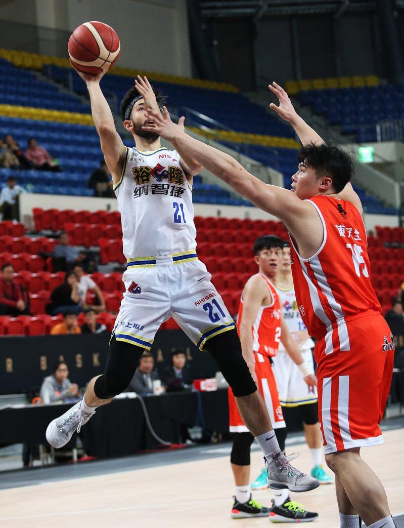 SBL受疫情影響,彰化、高雄賽事移至新北打。圖/中華籃球協會提供
