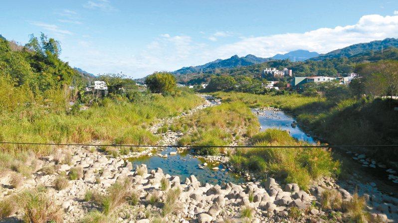 水利署第二河川局公告後龍溪防洪河段用地範圍線縮減。 記者范榮達/攝影