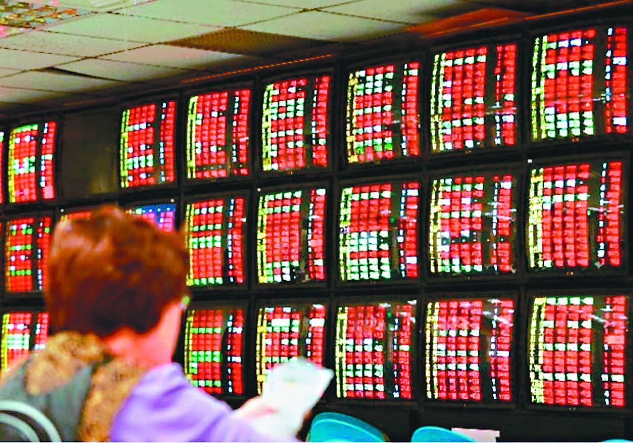 今年台股加權指數上漲超過24%,創十年來的最佳年度漲幅。 圖╱聯合報系資料照片