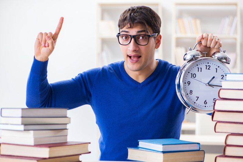 多益(TOEIC)考試是一種英文語言能力考試,分別有聽力測驗以及閱讀測驗。圖/ingimage