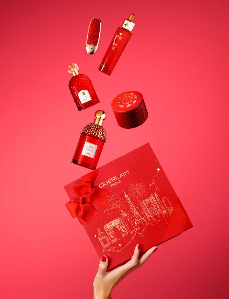 嬌蘭推出金燦紅緋新年限量版的保養、彩妝與香水。圖/嬌蘭提供